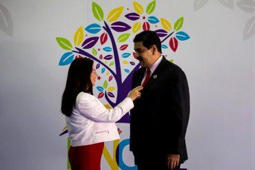 ¡Y EL PAÍS CAYÉNDOSE A PEDAZOS! Maduro dice que madrugó viendo películas con Cilita (+Video)