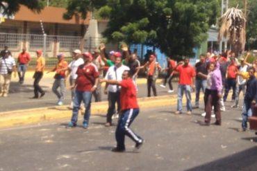 ¡VIOLENTOS! Simpatizantes del PSUV atacaron con piedras a opositores en Falcón: reportaron heridos