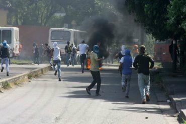 ¡LO ÚLTIMO! Reportan fuertes disturbios en Bárbula, frente a la Universidad de Carabobo (+Fotos)