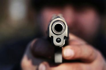 ¡VERGONZOSO! Detuvieron a venezolano que atracó a punta de pistola una unidad de transporte en Colombia