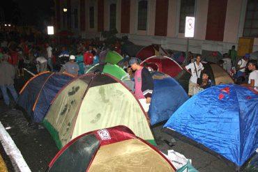 ¡TE LO MOSTRAMOS! Así luce Miraflores rodeado de carpas para «defender la democracia»