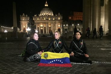 ¡LO ÚLTIMO! Lilian Tintori y Mitzy de Ledezma se encadenan en el Vaticano por los presos políticos