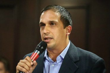 ¡SOLUCIÓN CHAVISTA! Gobernador de Sucre amenazó con ocupar panaderías donde persistan colas por pan