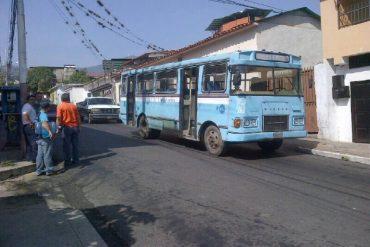 ¡LO ÚLTIMO! 3 heridos tras ataque de colectivos a autobús de estudiantes en Trujillo: iban a marchar