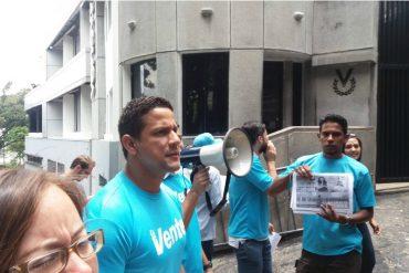¡LO ÚLTIMO! Protestan frente Globovisión y Venevisión por censurar las movilizaciones (+Fotos +Videos)