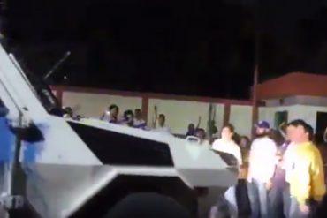 ¡TIENEN EL SALVAJE A MILLÓN! Tanqueta de la GNB intentó atropellar a diputados opositores (+Video)