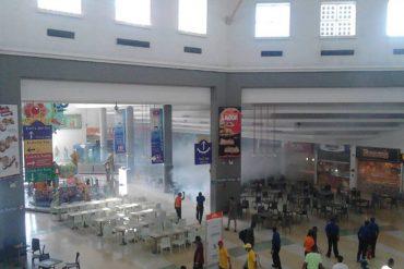 ¡ABUSIVOS! GNB lanzó lacrimógenas dentro de un centro comercial en Barquisimeto (+Video)