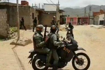¡SIGUEN LOS ATROPELLOS! GNB ingresó a vivienda privada para detener a manifestante en Margarita: Su madre salió en defensa