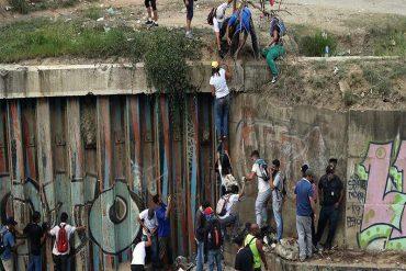 ¡TRISTE! Estudiante de la Ucab que cayó al Guaire tras impacto de bomba está en coma inducido