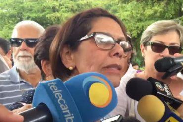 """¡CONMOVEDOR! Habla la madre de Miguel Castillo: """"Que cese la violencia y dejen de matar a los muchachos"""" (+Video)"""