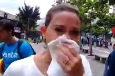 ¡NO LA CALLA NADIE! María Corina resultó afectada por las lacrimógenas durante represión en Chacaíto (+Video)