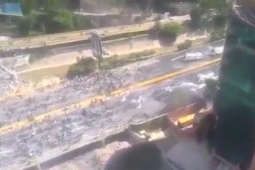 ¡IMPERDIBLES! Los videos que muestran la brutal represión de la GNB contra manifestantes este #29May