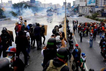 ¡ÚLTIMO MOMENTO! Fuerte represión en la autopista Francisco Fajardo: reportan heridos (+Fotos)