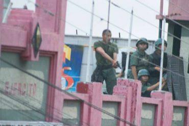 ¡PILLADOS! Soldados del ejército fueron capturados disparando contra manifestantes en Táchira