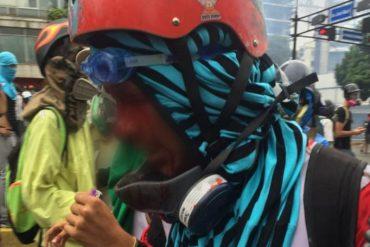 ¡ÚLTIMA HORA! Reportan herido por impacto de perdigón en la cara por salvaje represión en Chacao