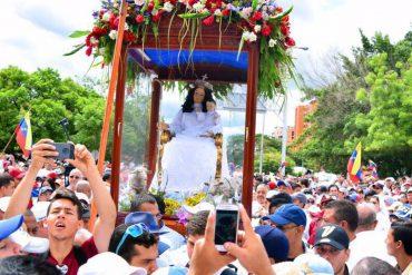 ¡PROCESIÓN HISTÓRICA! La impresionante multitud que acompañó a la Divina Pastora (+Foto)