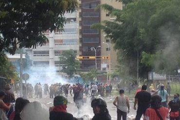 ¡LO ÚLTIMO! Reprimen trancazos en sectores de Maracay este #26Jun (+Videos)