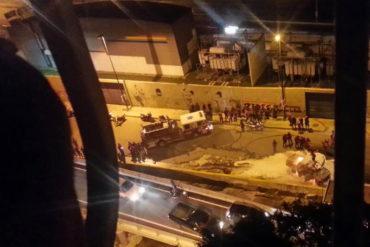¡ÚLTIMA HORA! Represión en Coche: Atacan residencias y disparan contra manifestantes