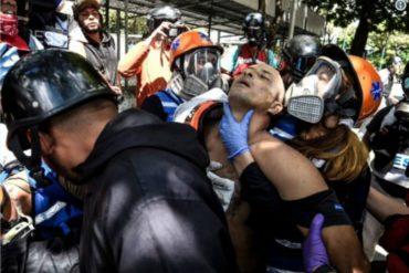 ¡TE LO MOSTRAMOS! Momento en que llevan a la Clínica El Ávila a 2 heridos en Bello Campo (+Video +Declaración de paramédico)