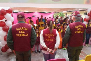¡INSÓLITO! Así es como la Guardia del Pueblo adoctrina a niños en el Cuartel de la Montaña (+Fotos +Salieron uniformados)