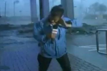 ¡IMPACTANTE! Reportera de CNN casi es arrastrada por los vientos del huracán María (+Video)