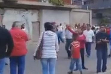 ¡NO TIENE VIDA! Así abuchearon a este alcalde chavista en centro de votación en Falcón (+Video)
