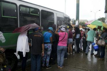 ¡NO TRABAJARÁN! Transportistas se niegan a aceptar aumento decretado en San Cristóbal y declaran paro indefinido