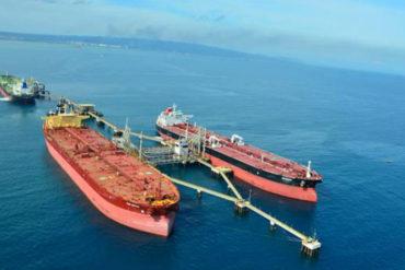 ¡UN DESASTRE! Tanqueros se acumulan en puertos de Pdvsa por demoras en exportación de combustible (No están protestando)