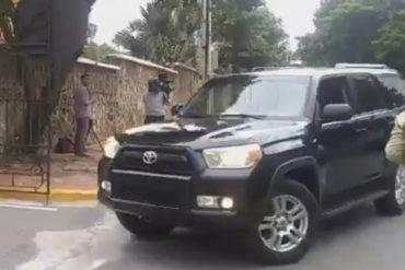 """¿SER RICO ES MALO? """"Blindados"""", guapos y apoyados, así llegó el chavismo a Dominicana (en tremendas camionetas) (+Video)"""