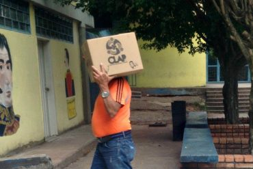 """¡INSÓLITO! Vea el """"regalito"""" que llevaban los electores en centro electoral de Táchira"""