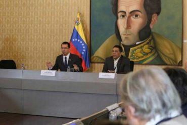 """¡DESCARO ROJO! Según el canciller Arreaza la inflación en Venezuela es """"inducida y ficticia"""""""