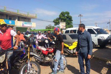 ¡QUÉ SABOTEO! Colectivos se presentaron en centro donde votó Manuel Rosales (lanzaron cohetes)
