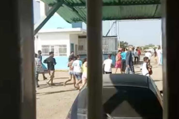¡LOS SAQUEOS NO CESAN! Buscando leche y jugos entraron a la fuerza a fábrica en Anzoátegui (+Video)