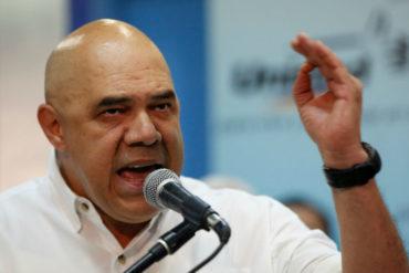 """¡AGARREN, PUES! """"Chuo"""" Torrealba regañó a la oposición: """"Pónganse las pilas y háblenle claro al país"""""""