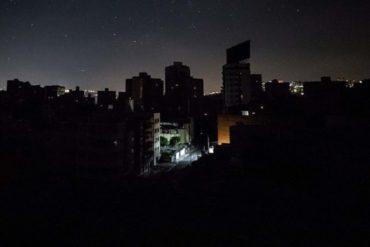 ¡LO ÚLTIMO! Apagón general afectó varias zonas de Caracas este #15Oct (segunda falla de luz en el día)