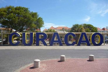 ¡LO ÚLTIMO! Nueve venezolanas iniciaron huelga de hambre y suplican no ser deportadas de Curazao