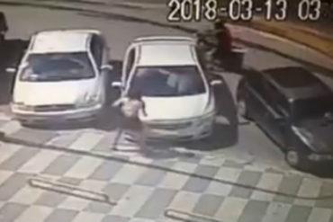 ¡NO SE LO PIERDA! El nuevo modus operandi que aplican delincuentes para robar piezas de vehículos a plena luz del día (+Video)