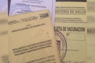 ¡INSÓLITO! En ambulatorio de Maracaibo trafican tarjetas de vacunación para salir del país