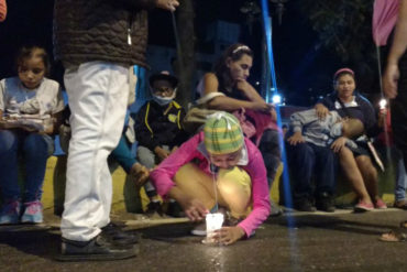 ¡DOLOROSO! Niños con cáncer del JM de los Ríos y sus madres hacen vigilia porque el Gobierno no responde (no les dan comida)