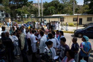 ¡CRISIS DE SALUD! Escasez de insumos y medicamentos impulsaron a trabajadores de El Algodonal a protestar este #4Abr (+Video)