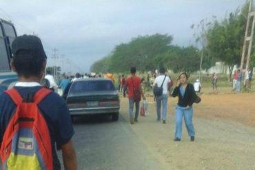 ¡CANSADOS! Este #12Abr trancaron los accesos de la Intercomunal de Barquisimeto por falta de respuesta ante escasez de gas