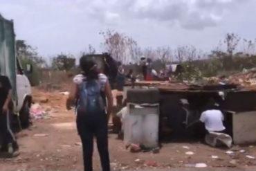 ¡INDIGNANTE! Venezolanos buscan restos de alimentos en un vertedero (+Video)