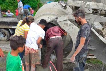 ¡VANDALISMO! Saquearon un camión cargado de cemento en Barquisimeto