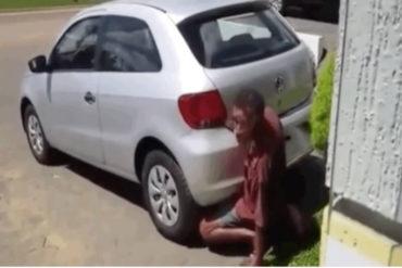 ¡ABERRADO! Arrestaron a un hombre por tener sexo con su auto (el pene estaba en el tubo de escape) (+Video perturbador)