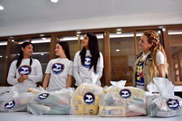 """¡ENTÉRSE! Lilian Tintori distribuye comida en bolsas y recibe críticas: """"¿Es el CLAP LEO""""?, le pregunta una usuaria"""