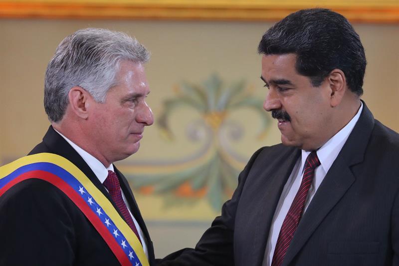 ¡SEPA! Aseguran que Venezuela envía 2,5 millones de dólares diarios a Cuba a cambio de la tutela y la receta para mantener una dictadura