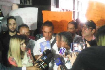 ¡ENTÉRESE! Reportan protesta en las afueras del Ministerio de Salud: Manifestantes exigen la presencia de la viceministra (+Video)