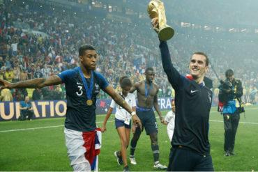 ¡ADMIRABLE!  Este futbolista está donando sus ganancias de la Copa del Mundo para ayudar a niños con discapacidad