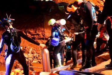 ¡LA BUENA NOTICIA! Rescatados sanos y salvos los 12 niños y el entrenador atrapados en la cueva de Tailandia