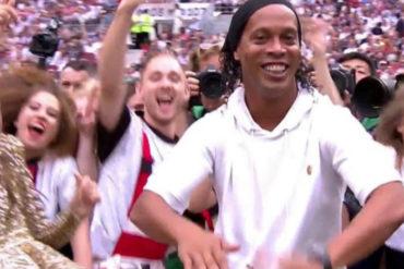 ¡EL ÍDOLO DE TODOS! Ronaldinho apareció en la clausura del mundial y se hizo viral en las redes (+Video +Fotos)